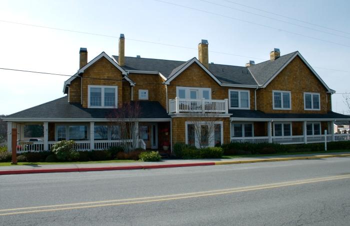 Saratoga Inn